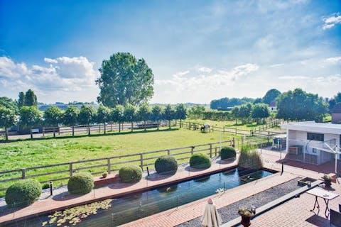 Villa dicht bij het centrum van Kortemark te koop