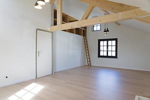 Halfopen huis met tal van mogelijkheden op 427 m² te Dadizele