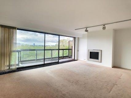 2 bedroom apartment with a view on Park du Cinquentenaire