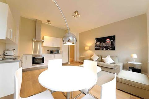 Beautiful furnished apartment in a green area