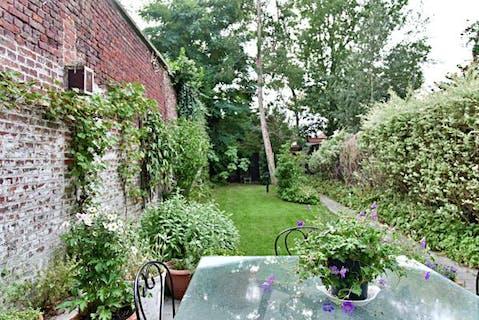 Ruime woning met toffe tuin in centrum Roeselare!