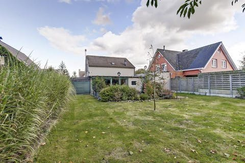 Huis met 4 slaapkamers en ruime tuin te koop te Wuustwezel