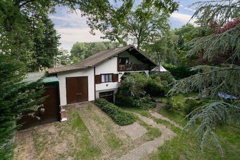 Verzorgde chalet met mooie tuin op een prachtige groene ligging in de weekendzone van Essen-Horendonk
