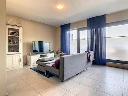 Instapklaar appartement met 1 slaapkamer en terras te Roeselare.