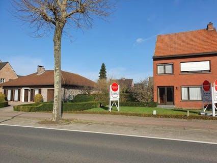 Perceel bouwgrond te koop in het centrum van Loenhout!