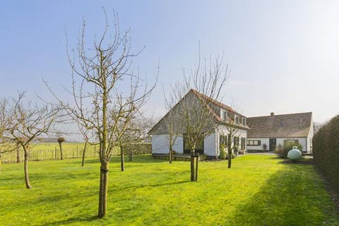 Uniek gelegen landelijk huis te Moerkerke, vlakbij Damme