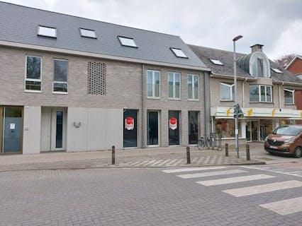 Handelsruimte van 243m² met tuin, parkeerplaats en kelderberging in nieuwbouwproject Dulcis in het centrum van Kalmthout!