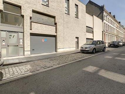 Autostaanplaats te koop in Antwerpen Centrum.