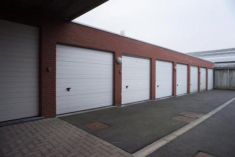 Garage te koop in Staden.