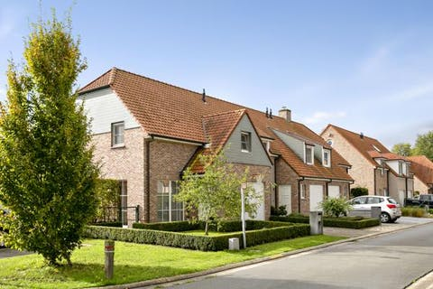 Huis met 3 slaapkamers in recente woonwijk te Moerkerke