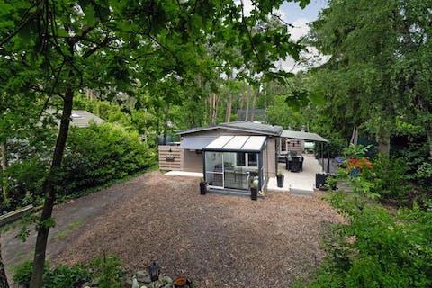 Chaletwoning met 2 slaapkamers, gelegen op een perceel van ca. 730m² in het woonbos van Essen-Wildert!