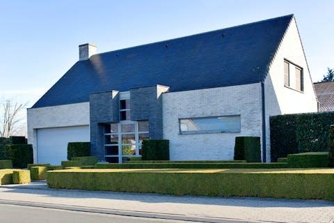 Moderne villa in residentiële verkaveling in Roeselare!