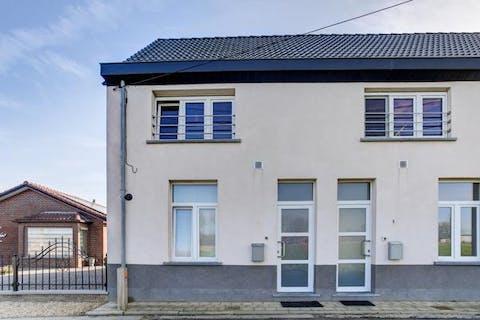 Ideaal starters huis met 2 slaapkamers en tuintje te Bazel.