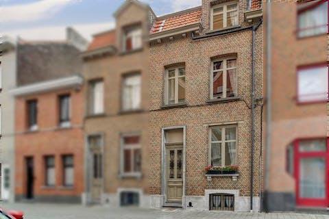 Authentiek rijhuis aan de Karmelietentuin te Mechelen