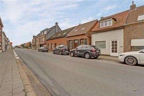 Charmante woning, centraal gelegen in Stabroek, met 2 slaapkamers op een terrein van 199m²!