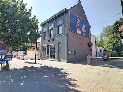 Ruim duplex-appartement met 3 slaapkamers in het centrum van Heide-Kalmthout!