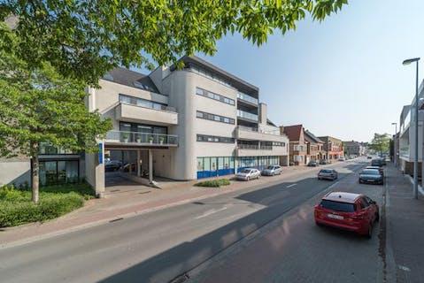 Verzorgd appartement met 3 slaapkamers te koop in Veurne