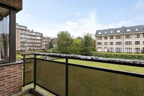Bel appartement dans un endroit calme à proximité du centre