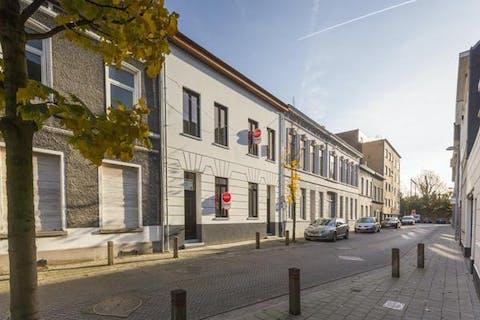 Nieuwbouwwoning te Harelbeke met 4 slaapkamers