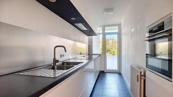 ULB: spacious 2 bedroom apartment of 100 m² of light.