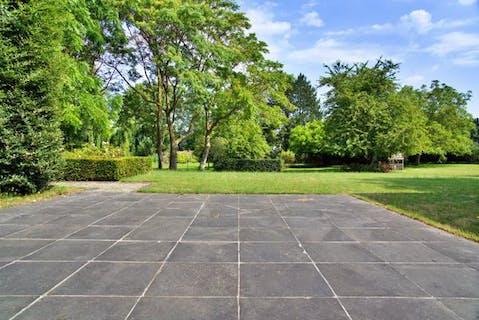 Riant huis te koop in Izegem op perceel van 8.390 m².