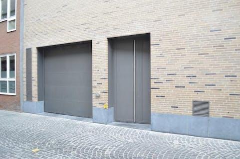Afgesloten autostaanplaats in centrum Roeselare.