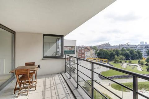Brussels recent building 2 bedroom apartment with beautiful sunny terrace with a view of park and Brussels skyline