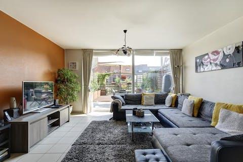 Instapklaar appartement met 3 slaapkamers, parkeerplaats en groot terras