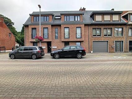 Ruim appartement met garage te huur in het centrum van Kalmthout!
