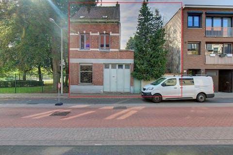 Renovatie huis/project te koop op een totale grondoppervlakte van 575m² op toplocatie naast het park van Hemiksem