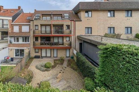 Appartement te koop met 2 slaapkamers en ruim terras in Koksijde-Bad