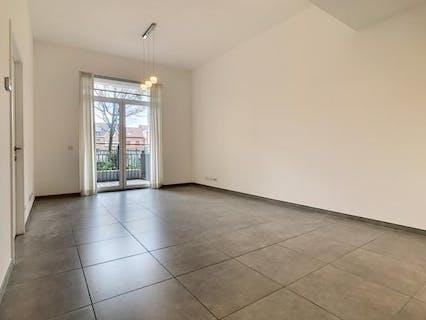Lichtrijk appartement met 2 slaapkamers en zonnig terras in residentie 'Het Laere '.