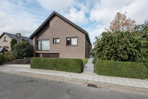 Verzorgde villa in residentiële omgeving te Veurne