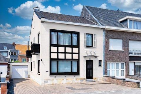 Instapklaar huis te koop te Kortrijk (Sint-Elisabeth)