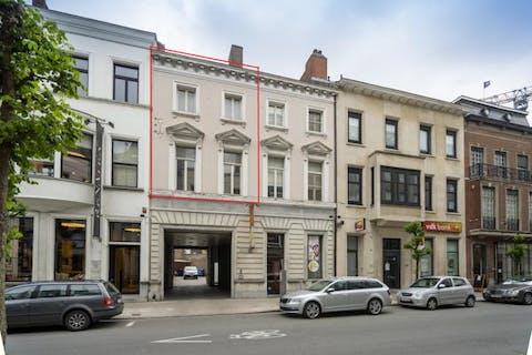 Ruim 4-slaapkamerappartement te koop in centrum Kortrijk