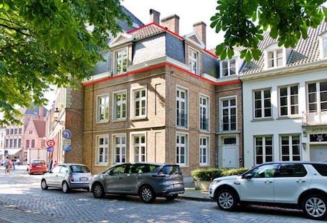 Te renoveren appartement te Brugge