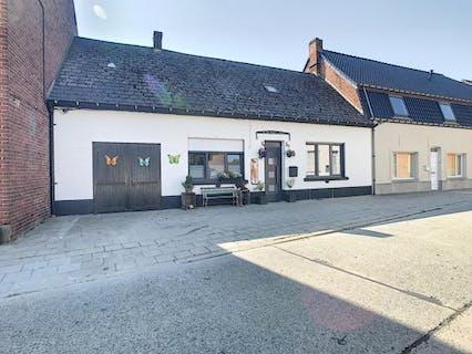 Te renoveren huis te koop in Zottegem