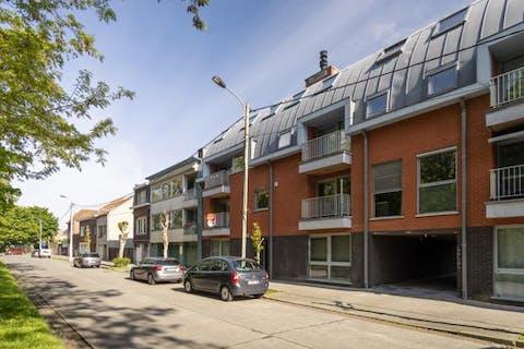Instapklaar appartement met 3 slaapkamers te koop in Kortrijk