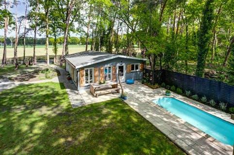 Uniek huis te koop in Putte-Kapellen met 1 slpk in bosrijk gebied