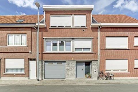 Huis met vele mogelijkheden in het centrum van Kruibeke.