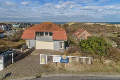 Unieke eigendom met prachtig zicht over duinen en zee in Sint-André