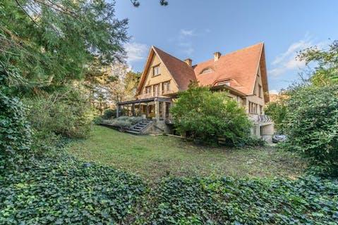 Uiterst ruime villa op 1463 m² in De Panne