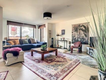 Instaplaar appartement met 3 slaapkamers en dubbel terras te Roeselare.