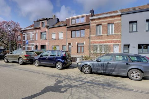 Huis (225m²) met tuin en garage te koop Wilrijk