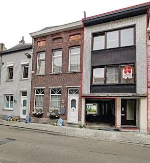 Te renoveren huis te Mechelen met garage