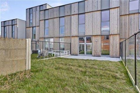 Nieuwbouw huis met tuin in groen en autoluw binnengebied