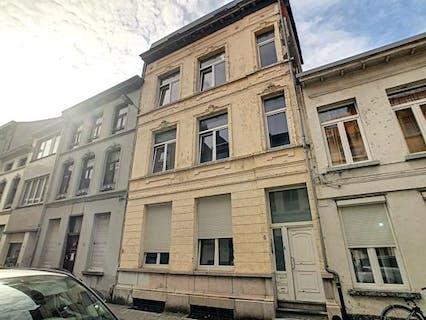 Te renoveren woning te koop in het centrum van Antwerpen