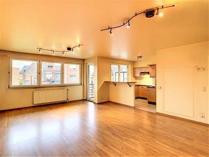 2 Slaapkamer appartement met garage te koop