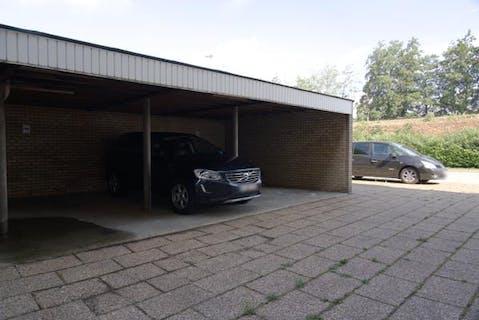 Overdekte staanplaats te Sint-Andries nabij Centrum Brugge