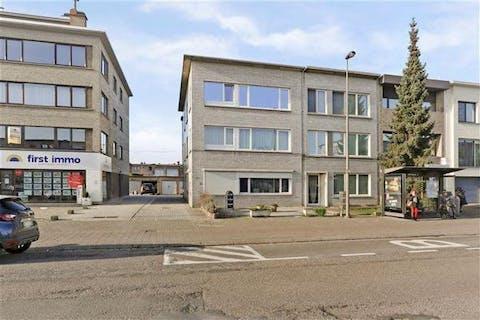 Centraal gelegen appartement met 2/3 slaapkamers en garagebox in Merksem